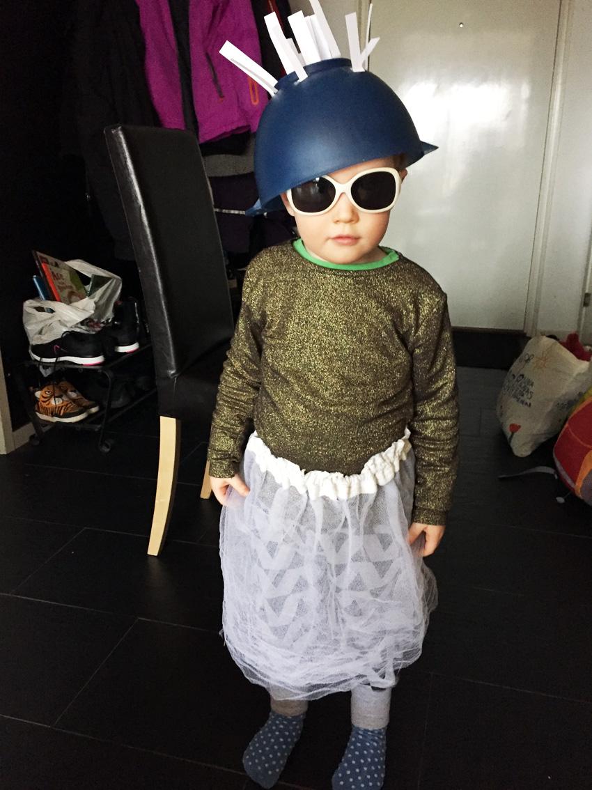Att klä ut sig är alltid roligt! Här har Lillebror förvandlats till den fisande Muttern i Labyrint.
